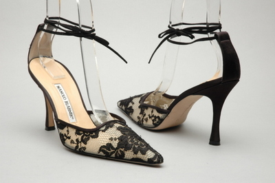 Manolo_blahnik_black_strappy_heel_3